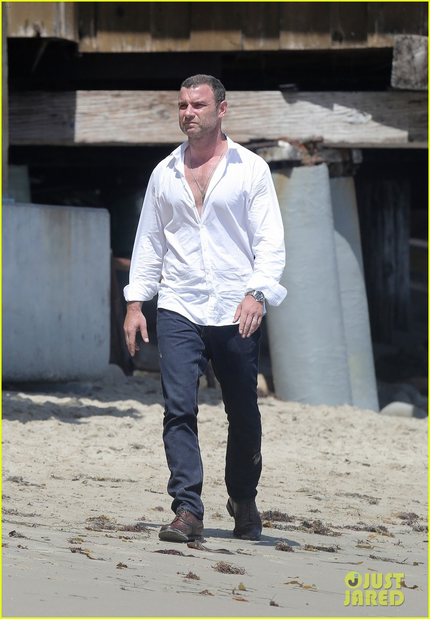 liev schreiber privacy out window naomi watts 053145942