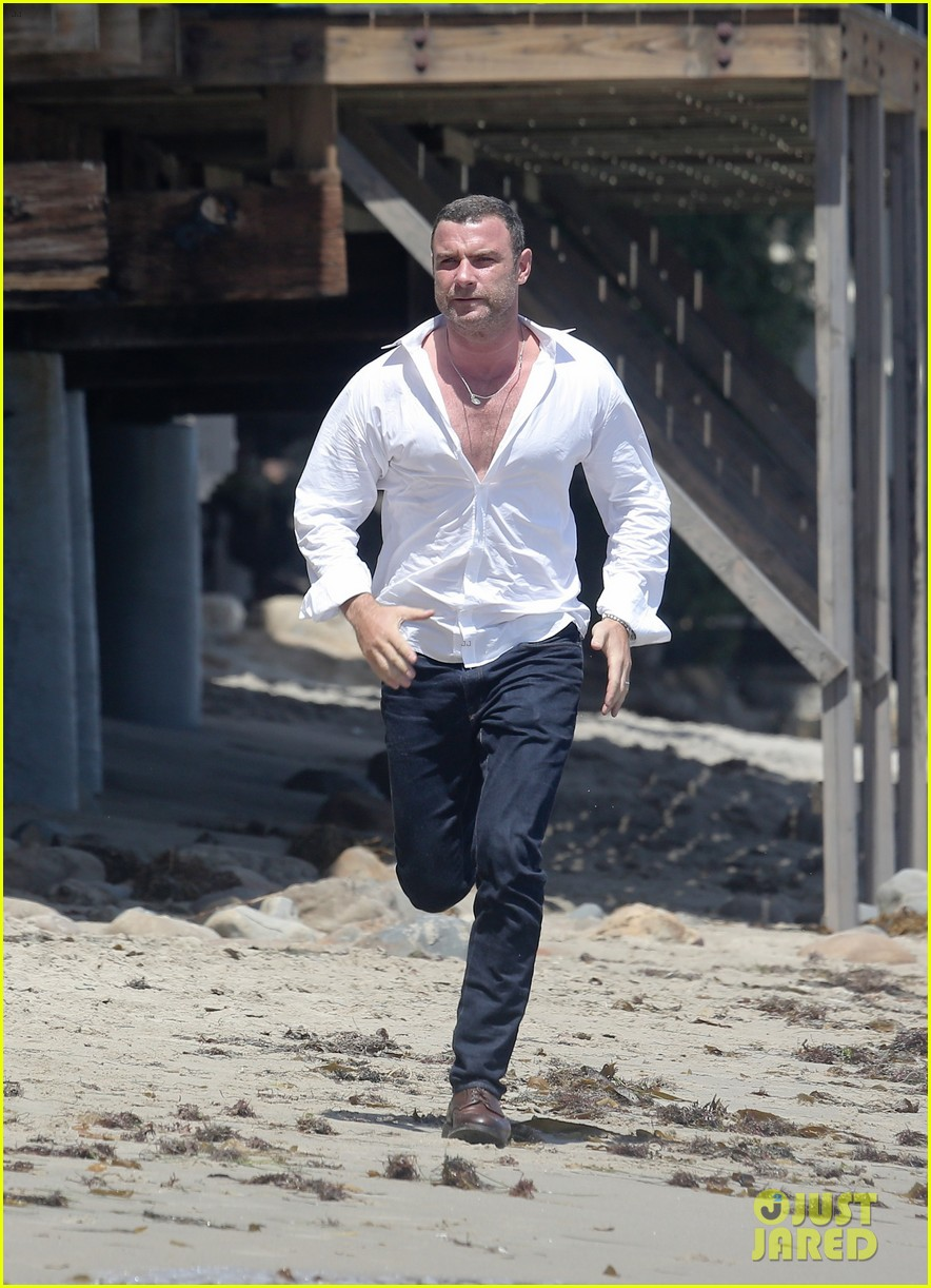 liev schreiber privacy out window naomi watts 353145972