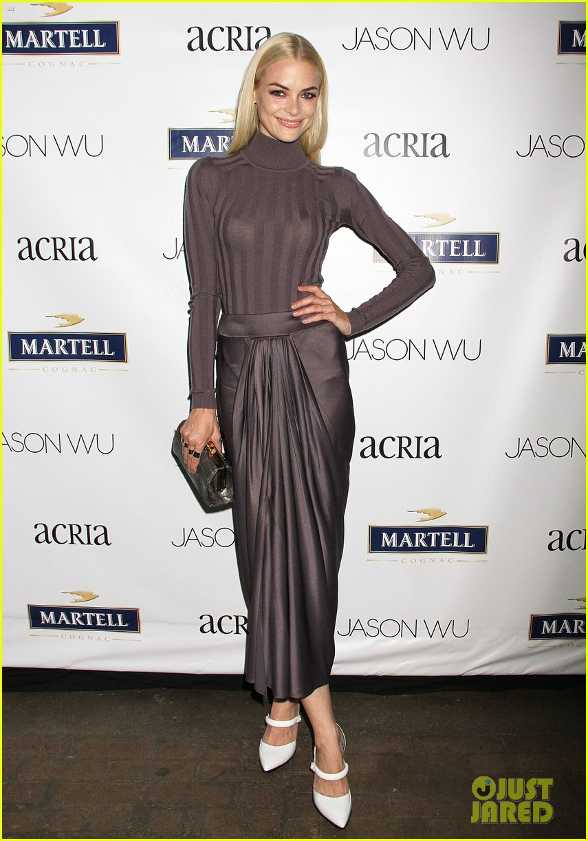 adriana lima jaime king represent jason wu at young friends of acria summer soiree 023133833