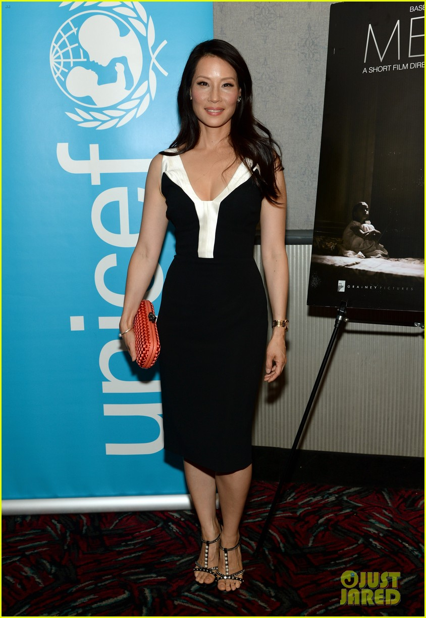 lucy liu gets support from carla gugino at her meena premiere 073144646