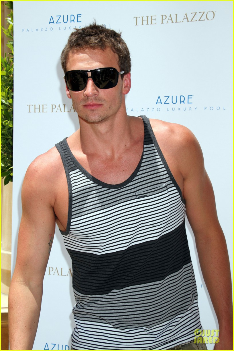 ryan lochte hosts bachelor party in las vegas 023130997