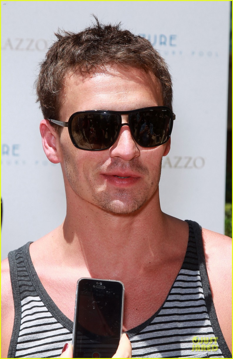 ryan lochte hosts bachelor party in las vegas 143131009