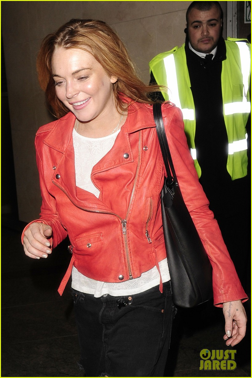 lindsay lohan is looking happier more refreshed than ever 083147017