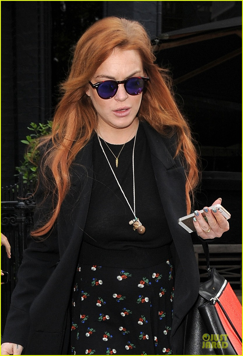 lindsay lohan jogging paid off for legs 043127217