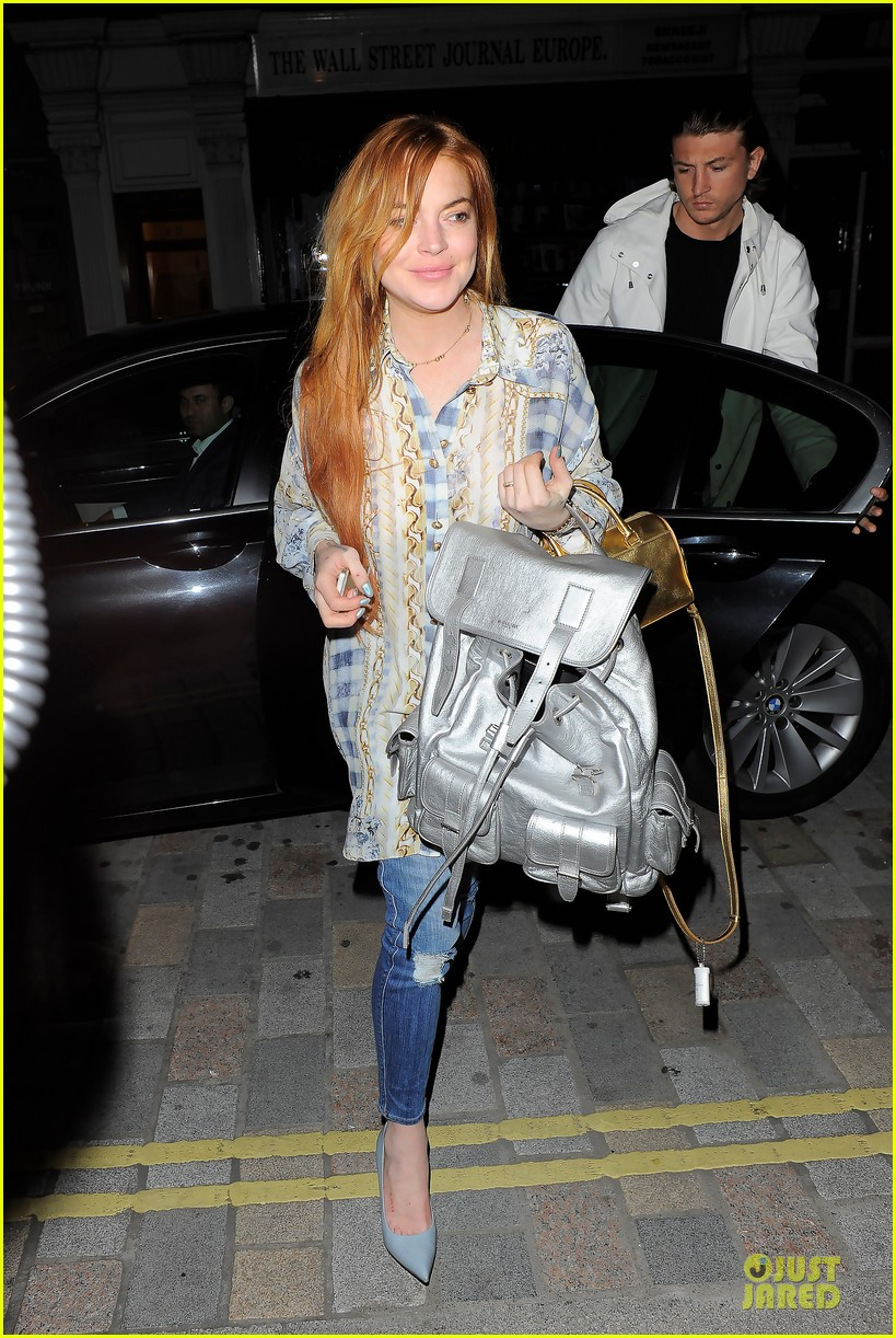 lindsay lohan margot robbie red heads at chiltern firehouse 01
