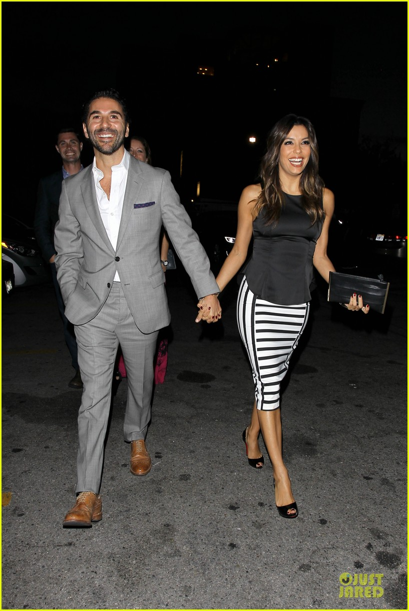 eva longoria beaming with jose baston presence 12