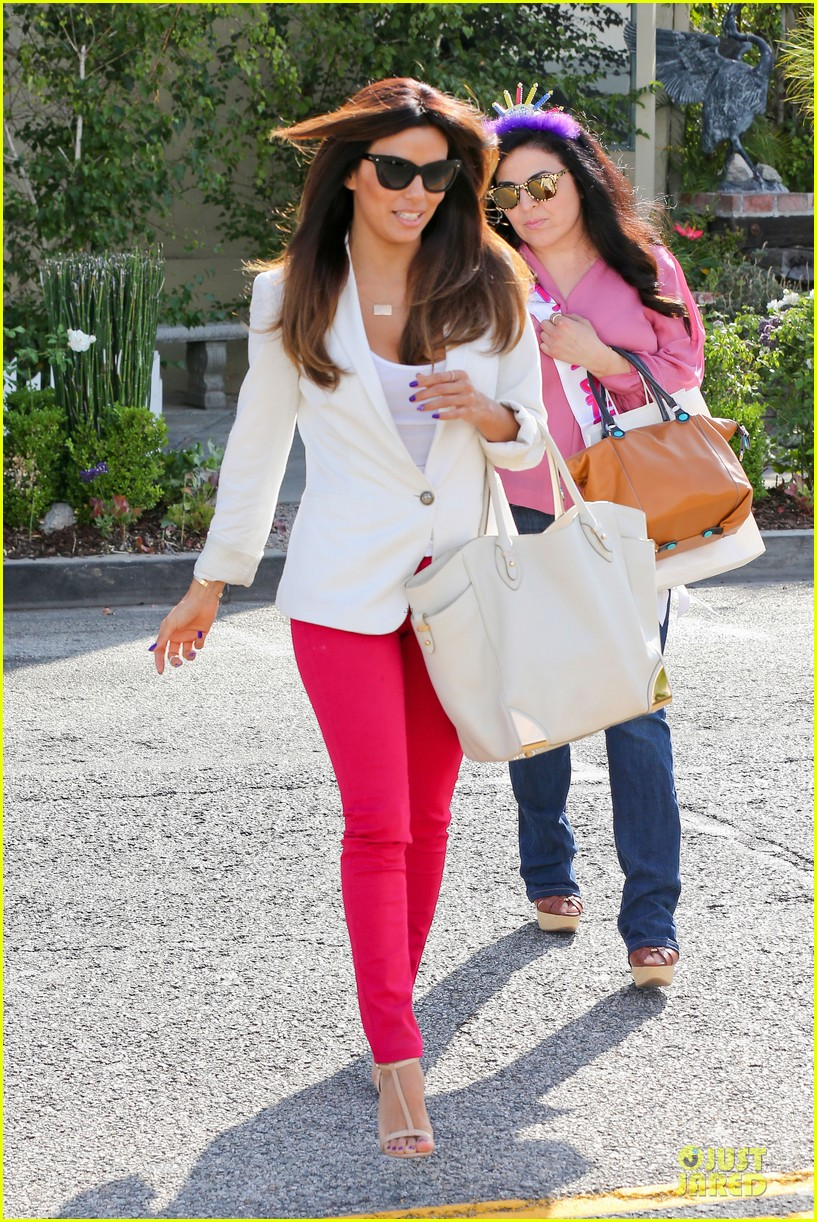 eva longoria pampers sister lucky for birthday 033145060