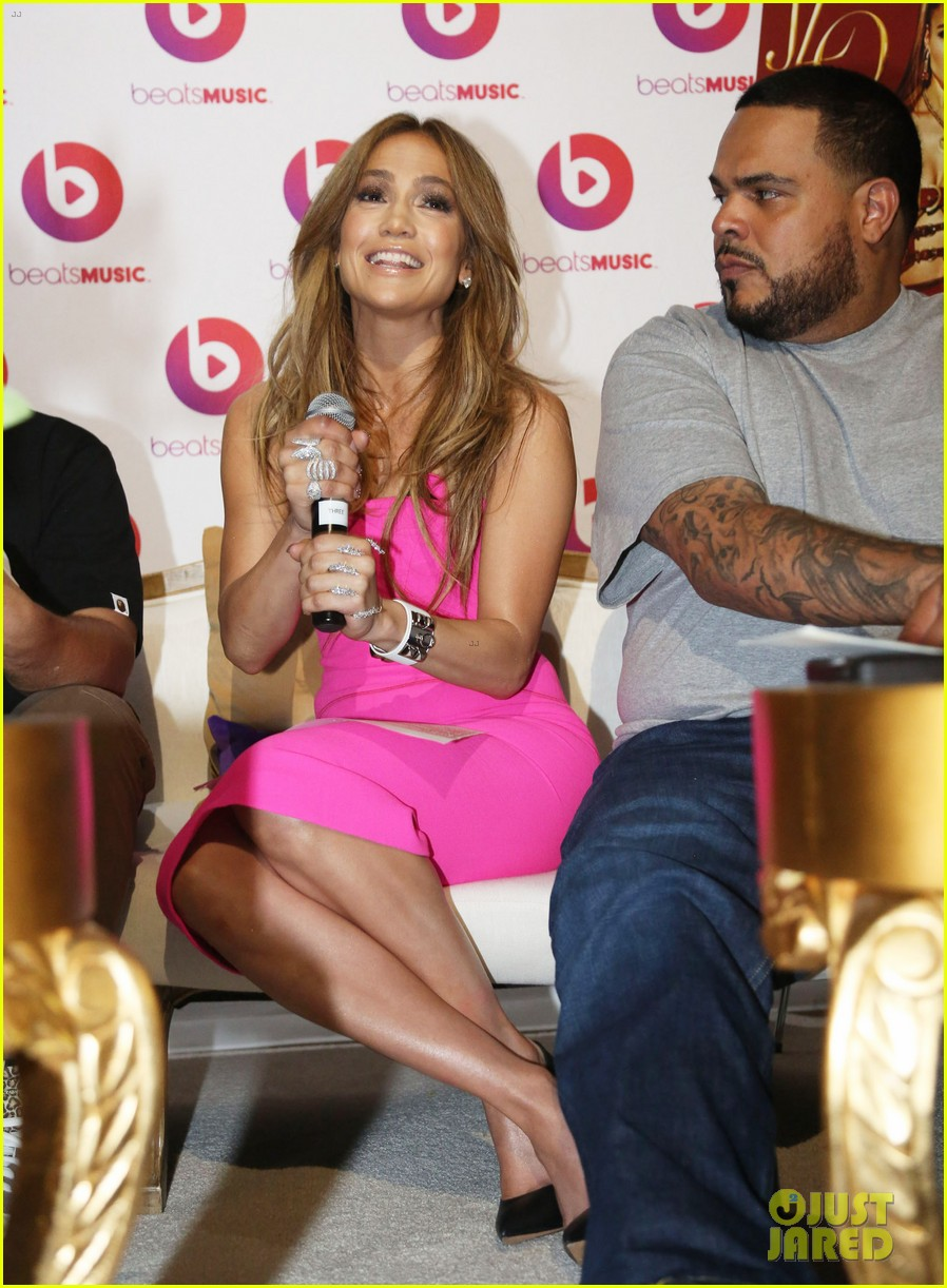 jennifer lopez is lady in pink for a k a album release party 04