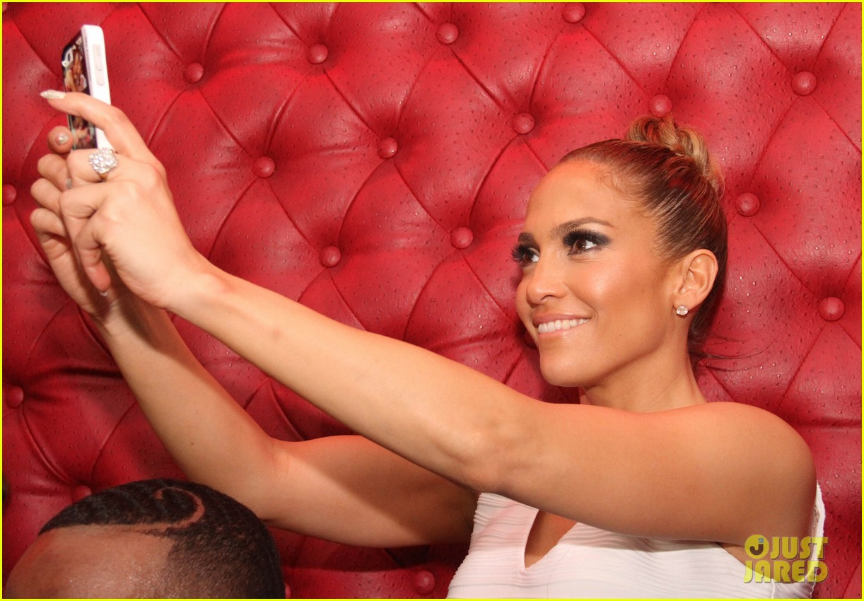 jennifer lopez celebrates her hometown concert with ti 02