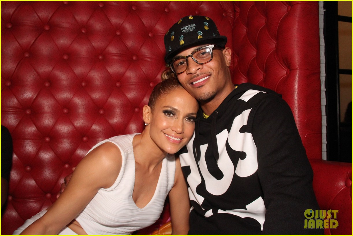 jennifer lopez celebrates her hometown concert with ti 043129162