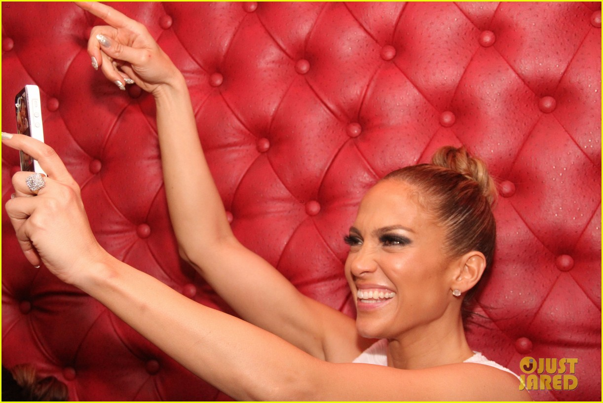 jennifer lopez celebrates her hometown concert with ti 273129185