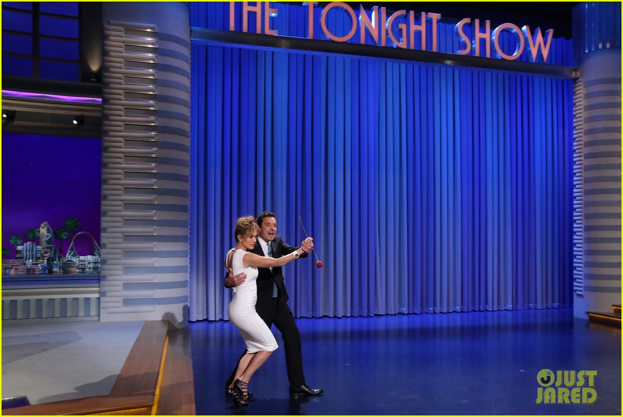 jennifer lopez dances with jimmy fallon after met ball diss 01