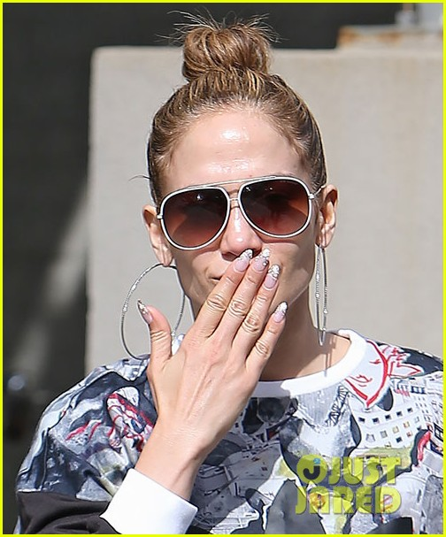 jennifer lopez tweet her fave songs 043140197