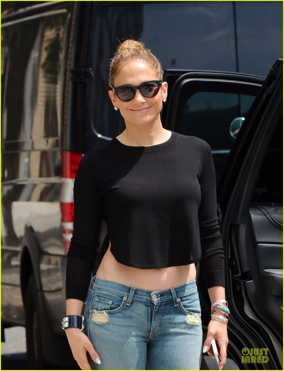 jennifer lopez bare midriff sight to see in nyc 093147091
