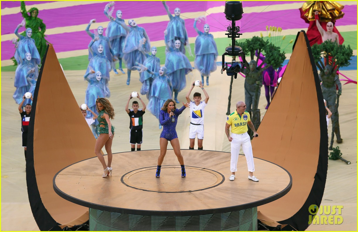 jennifer lopez performs at world cup 2014 opening ceremony with pitbull claudia leitte 133134071