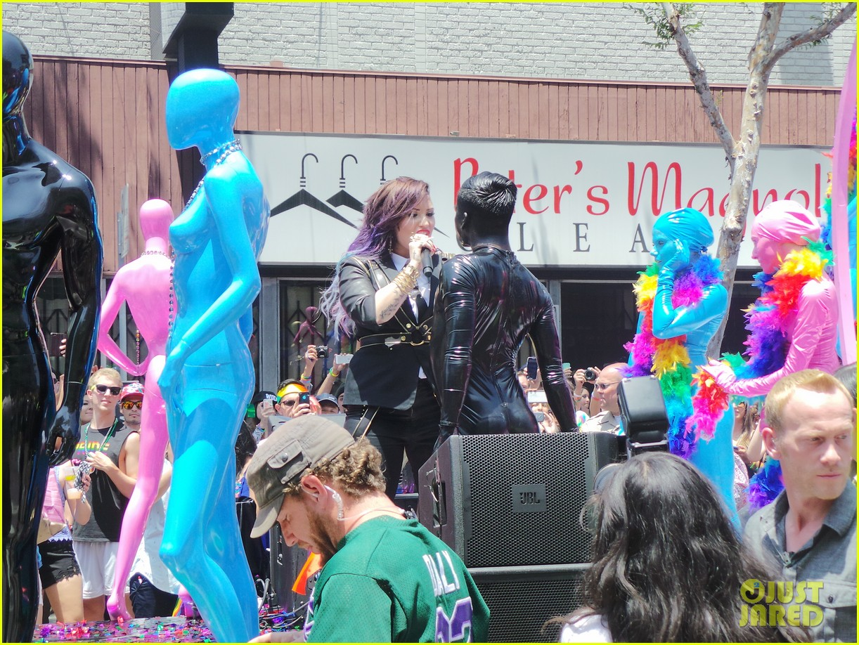 demi lovato really dont care music video shoot la pride 2014 063131175
