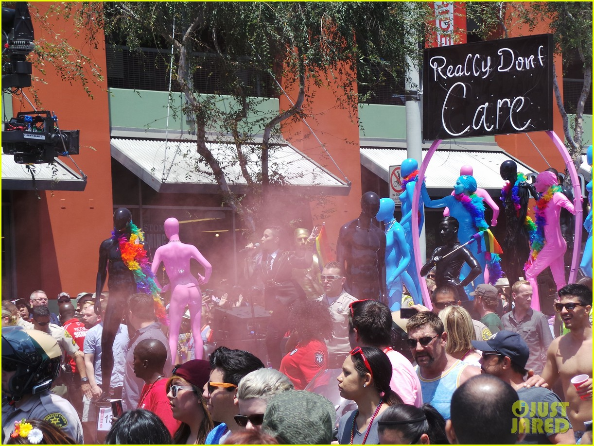 demi lovato really dont care music video shoot la pride 2014 093131178