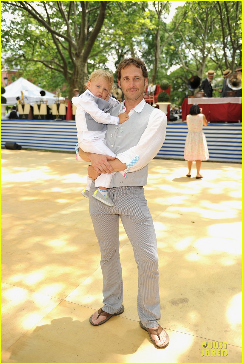 josh lucas noah has blue eyes 01