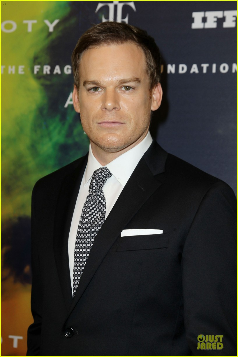 kellan lutz michael c hall dress fragrance foundation awards 043137002