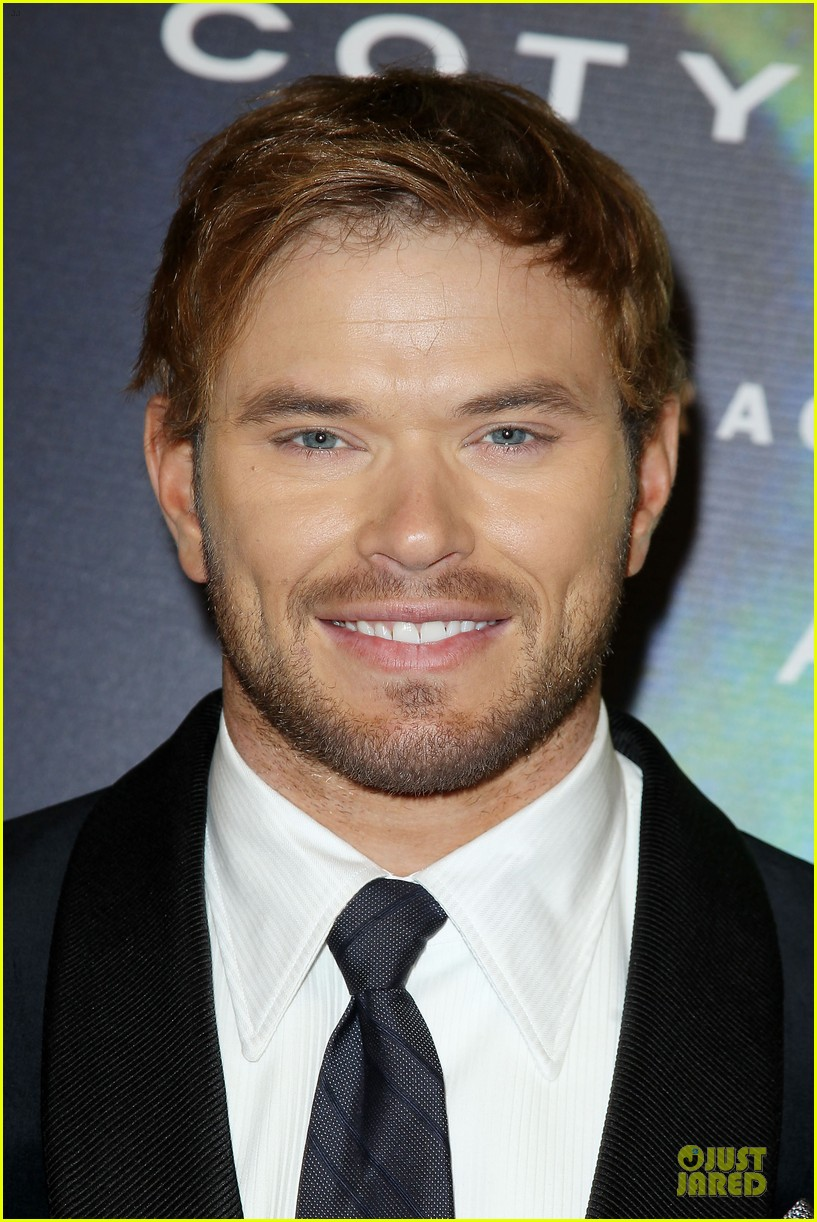 kellan lutz michael c hall dress fragrance foundation awards 103137008