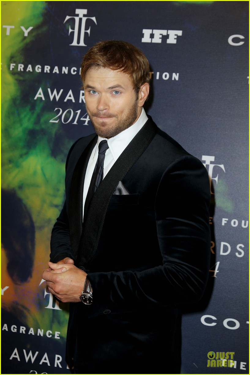 kellan lutz michael c hall dress fragrance foundation awards 123137010