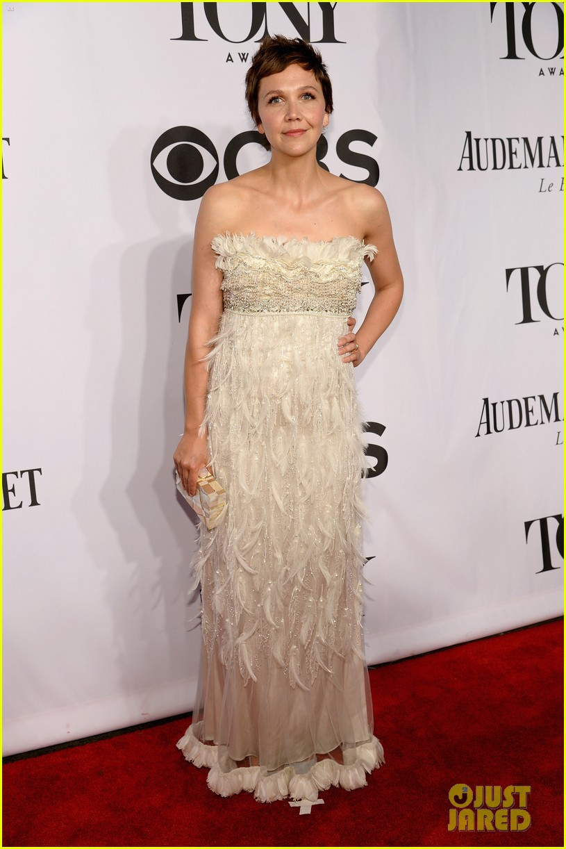 maggie gyllenhaal tony awards 2014 red carpet 043131168