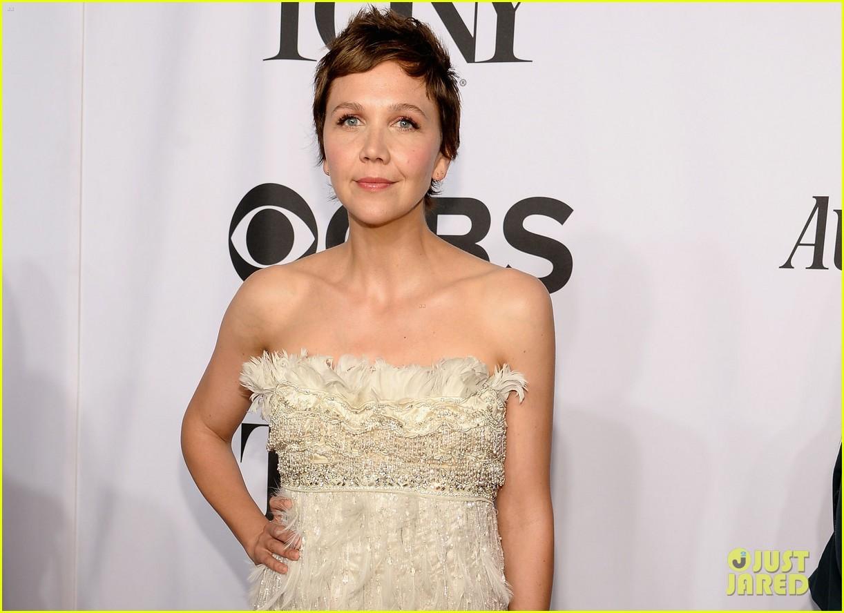 maggie gyllenhaal tony awards 2014 red carpet 053131169