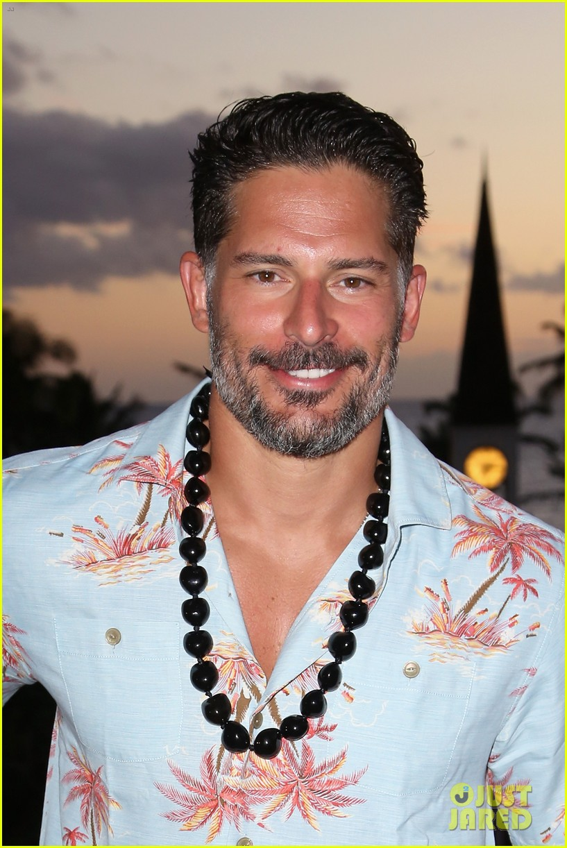 joe manganiello triple threat award 073130597