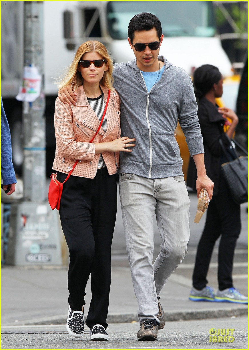 kate mara max minghella cute couple in nyc 13