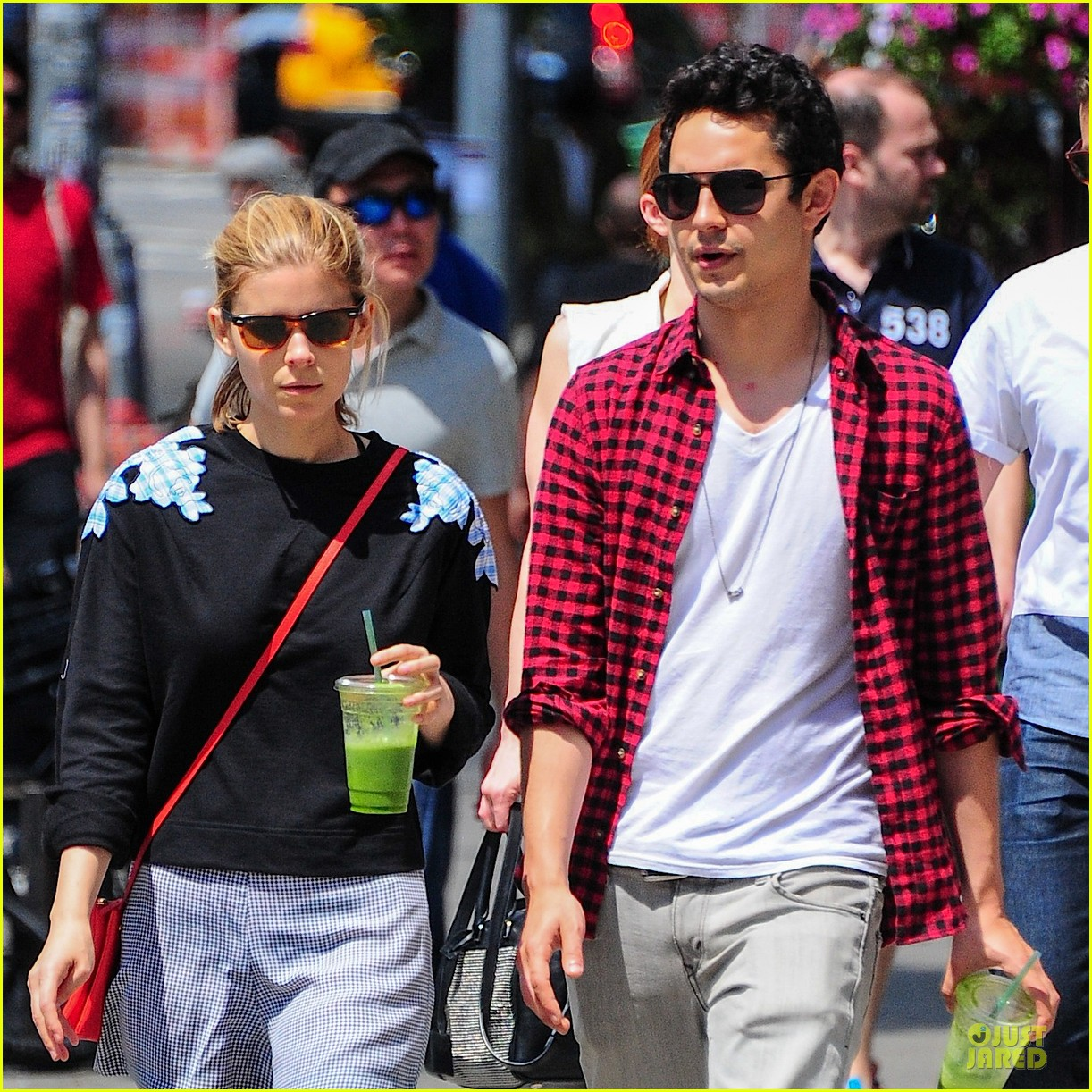 kate mara max minghella cant get enough of each other 023131090