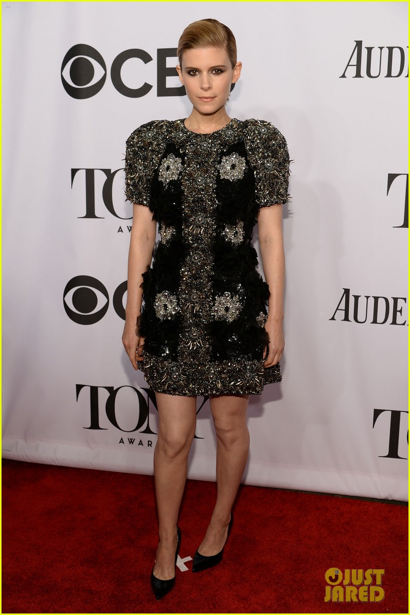 kate mara wears intricately beaded dress to tony awards 2014 063131283