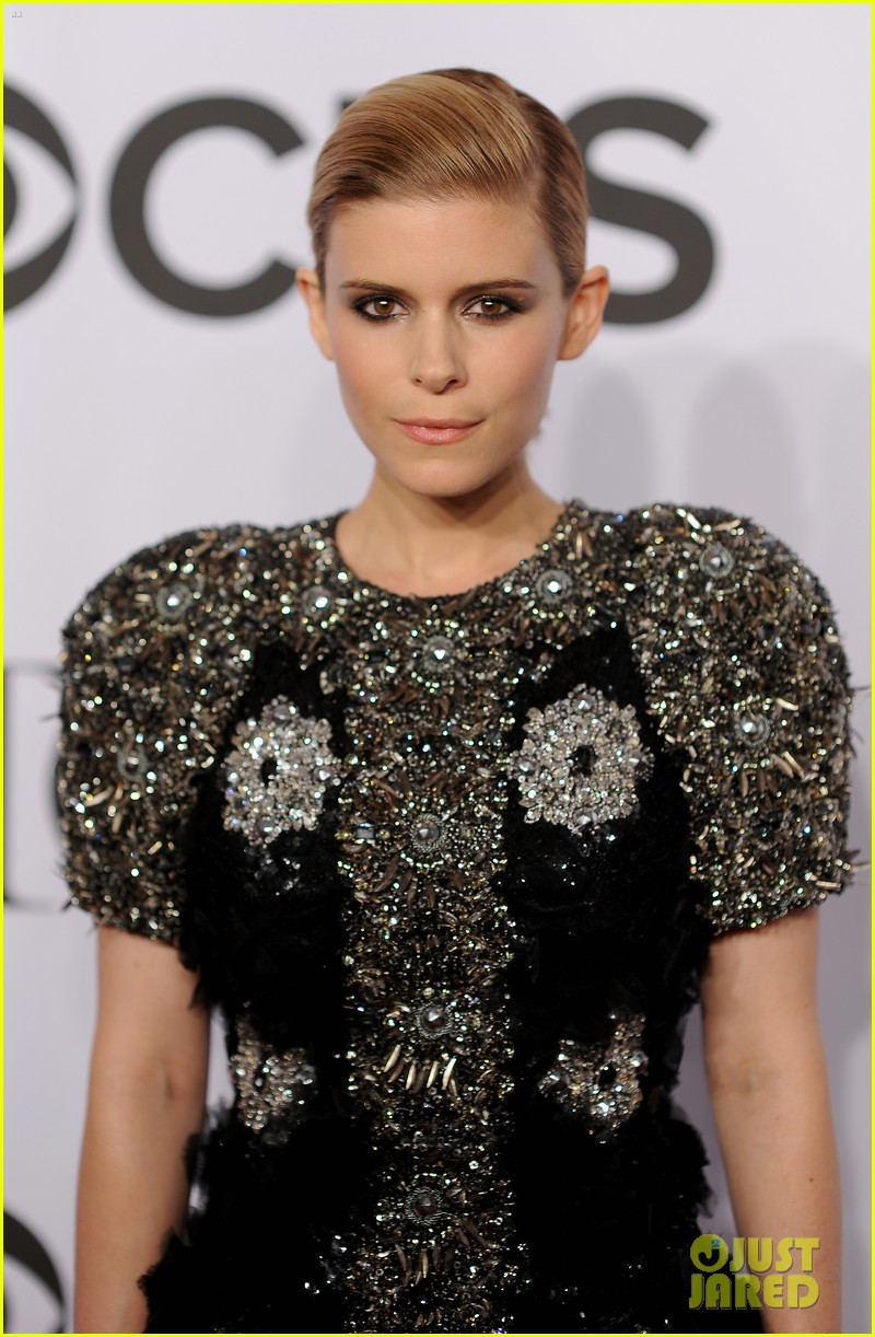kate mara wears intricately beaded dress to tony awards 2014 073131284