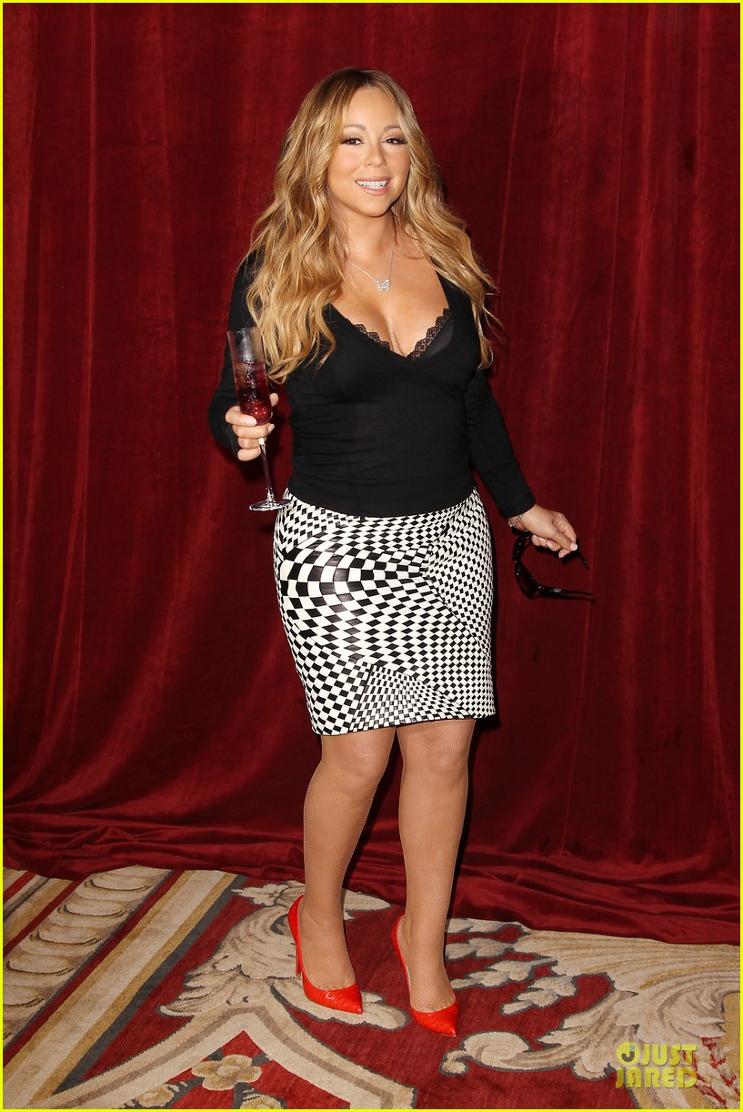 mariah carey bra gets exposure at butterfly launch 11