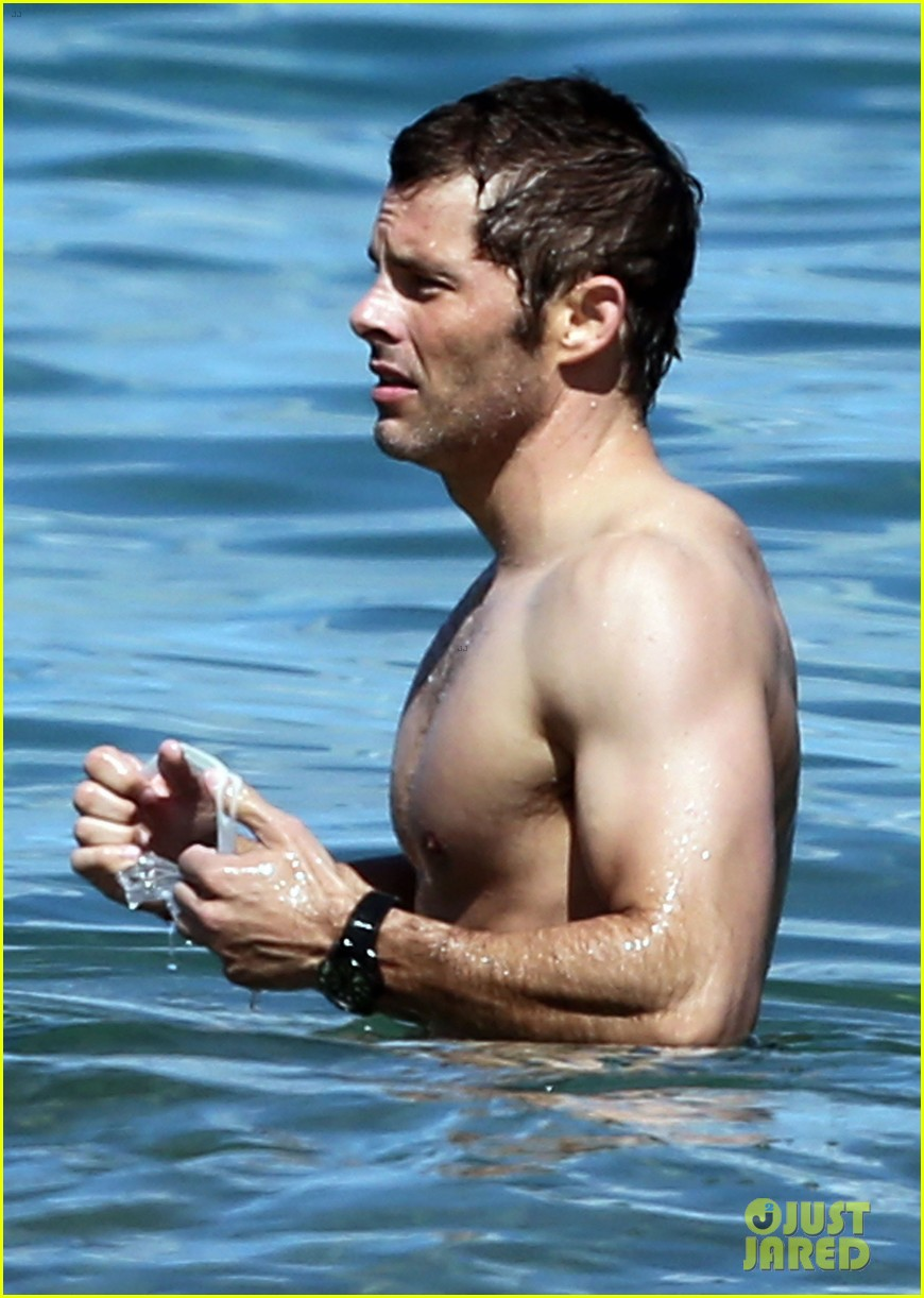 shirtless james marsden shows ripped body in hawaii 03