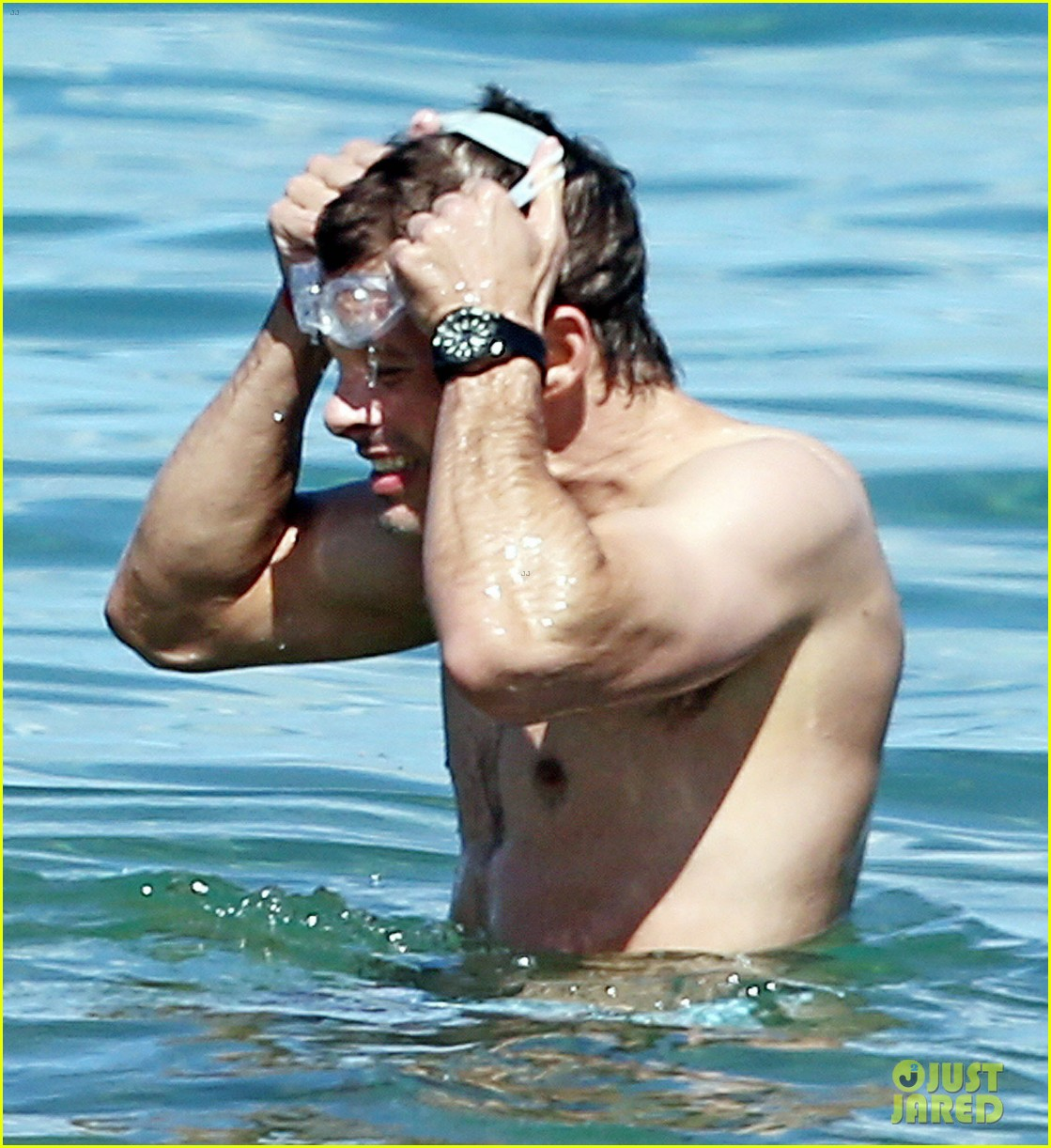 shirtless james marsden shows ripped body in hawaii 17