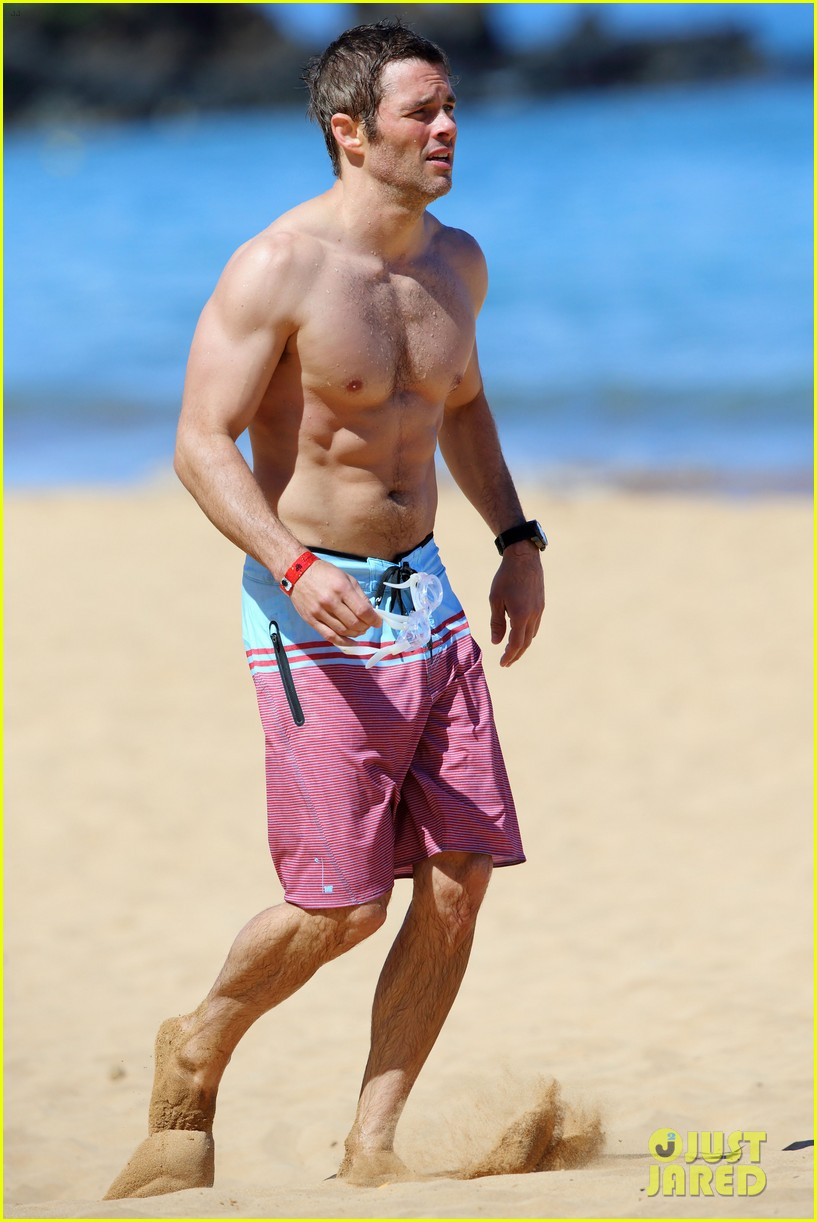 shirtless james marsden shows ripped body in hawaii 21