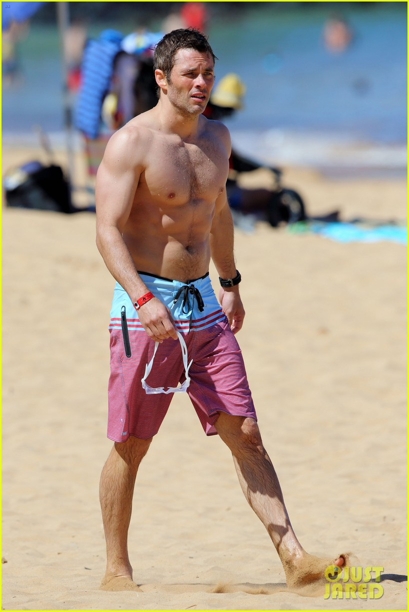 shirtless james marsden shows ripped body in hawaii 243131795