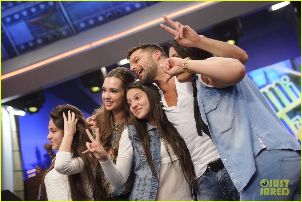 ricky martin recreates vida music video on el hormiguero 133132390