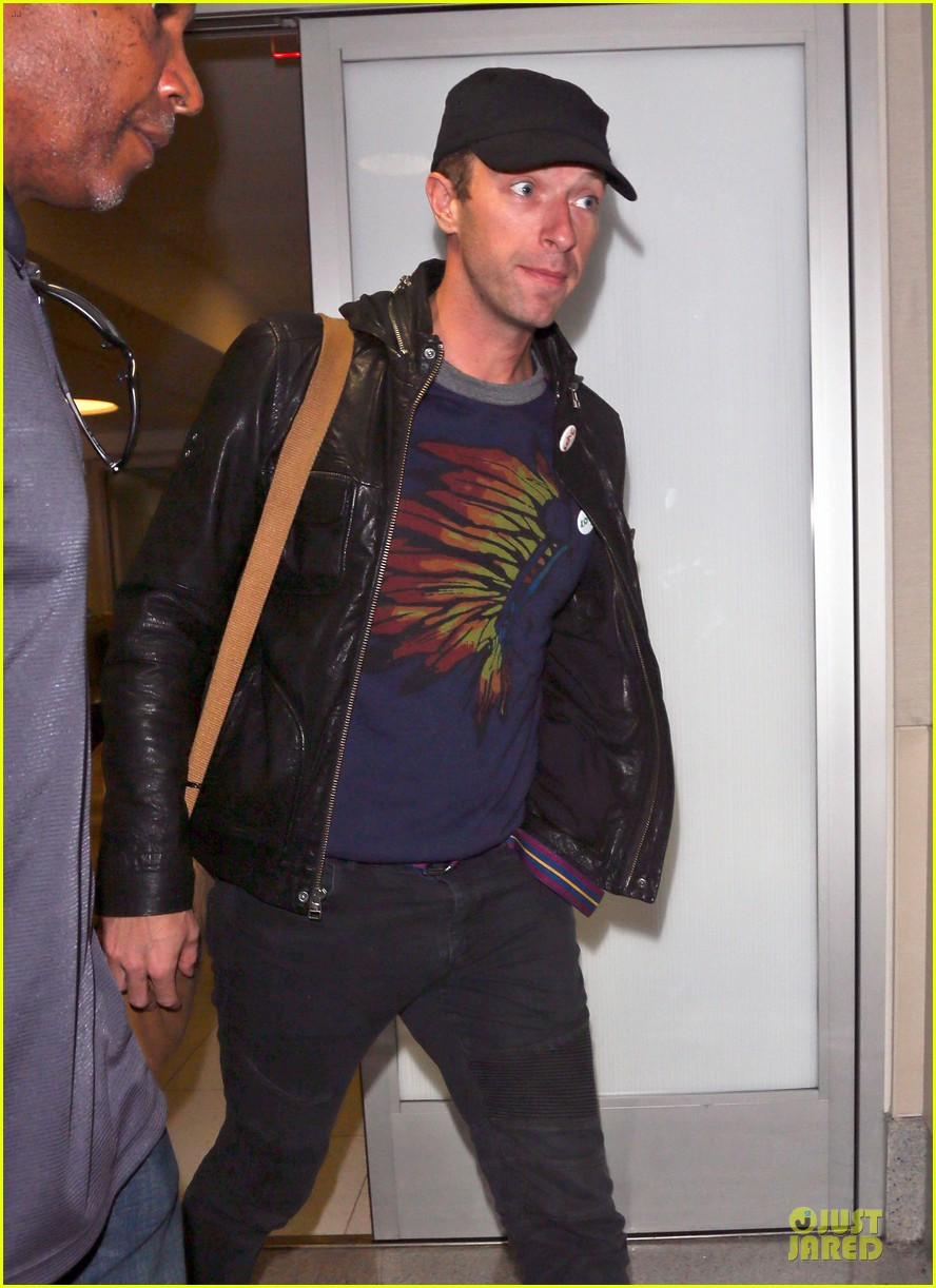 chris martin gets ready to rock japan with coldplay 073133558