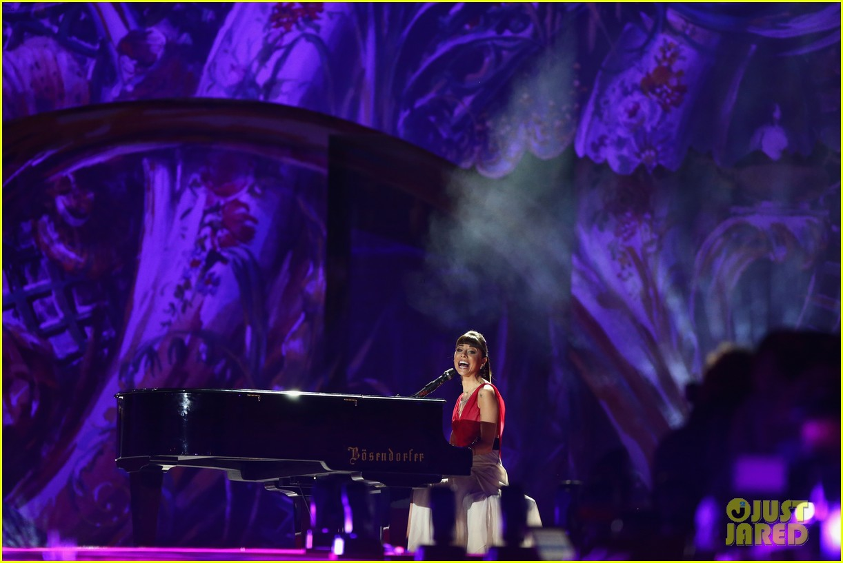 ricky martin christina perri perform at the life ball 23