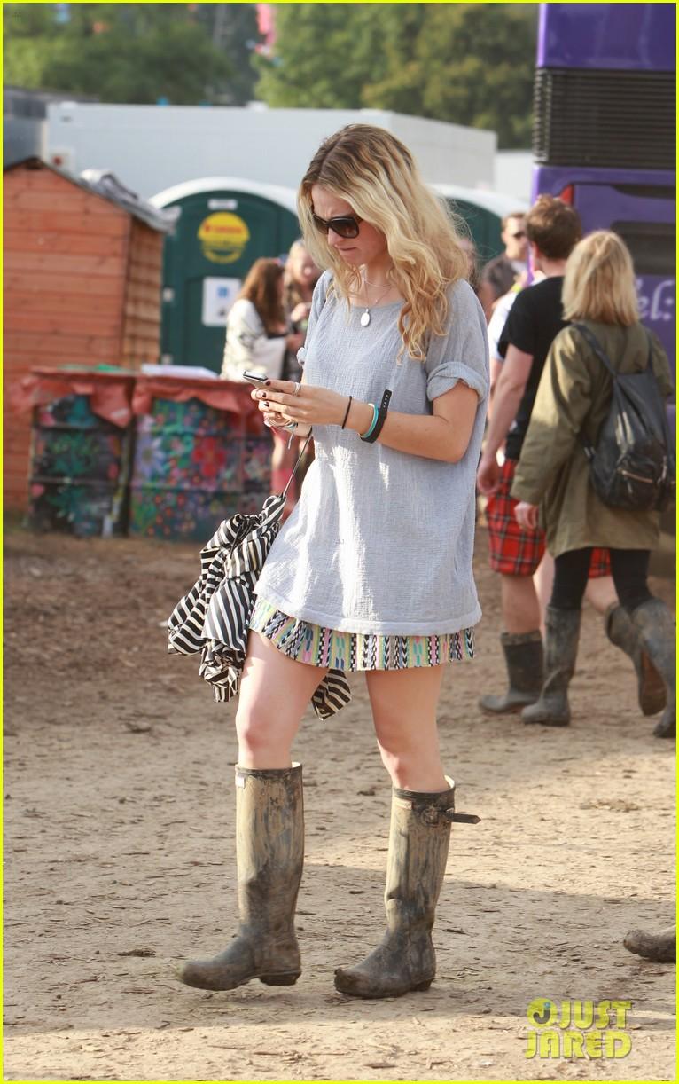 matt smith lily james attend glastonbury festival 073146871