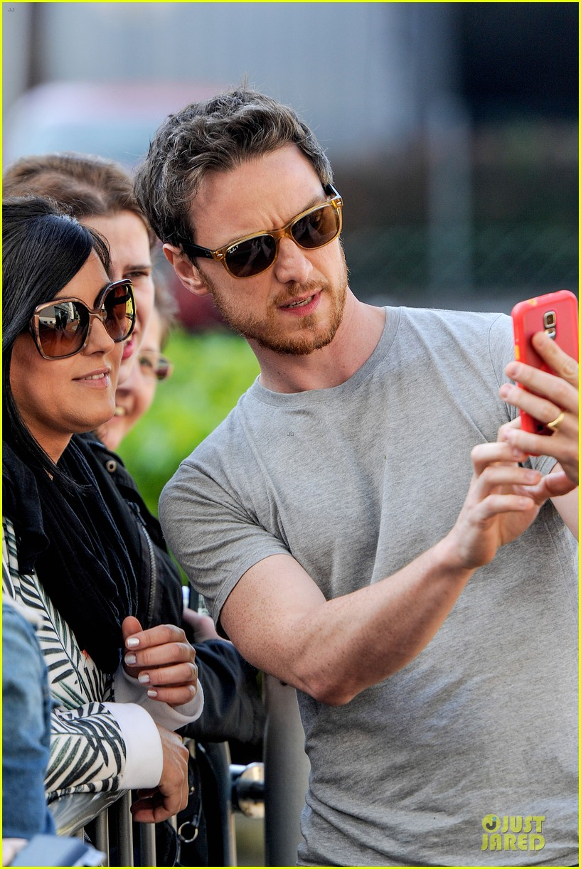 james mcavoy display athleticism at soccer aid 153130530