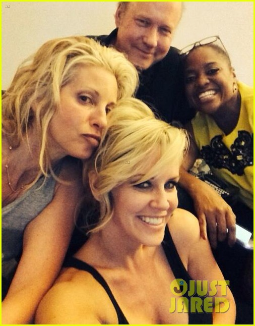 jenny mccarthy sherri shepherd hang out 023144380