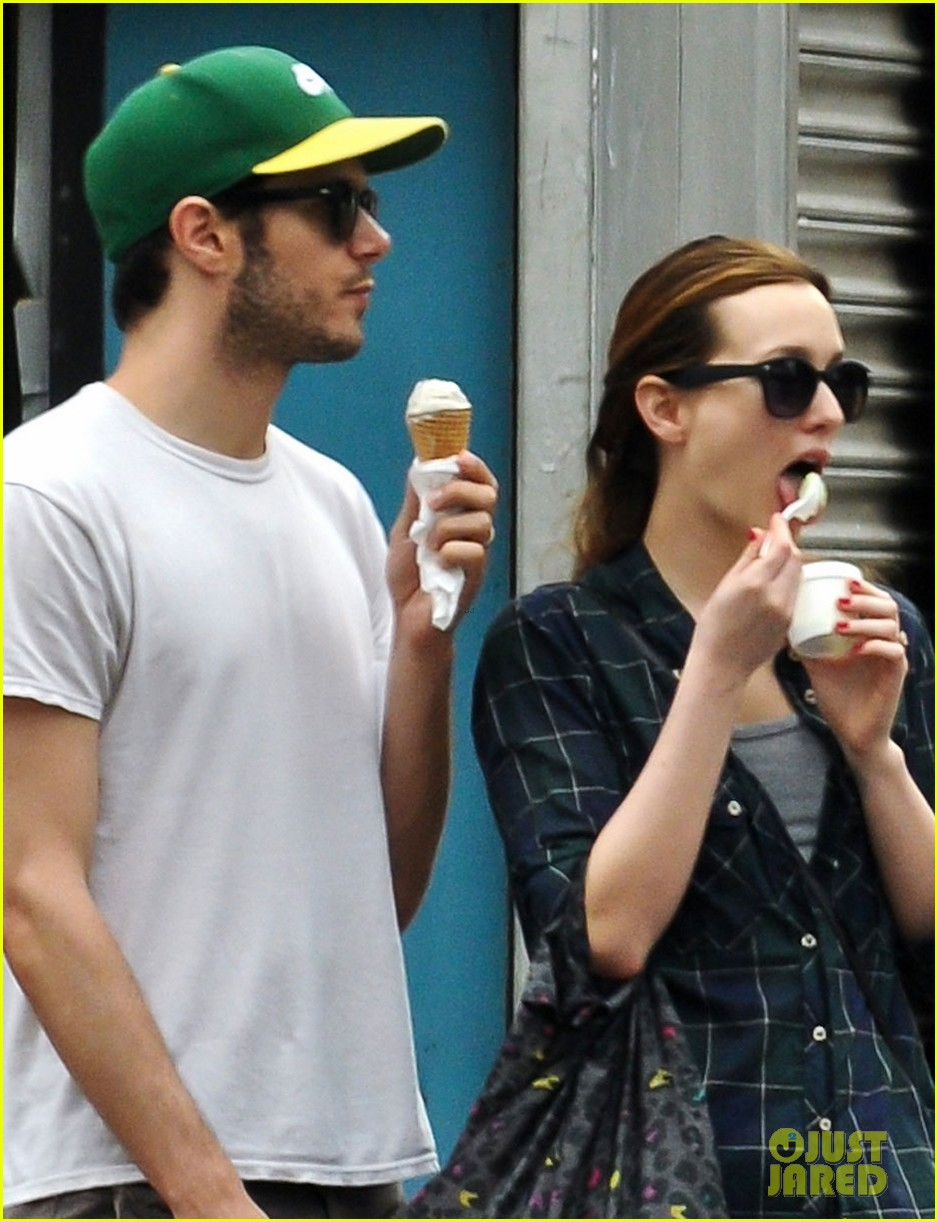 leighton meester adam brody ice cream date 013139285
