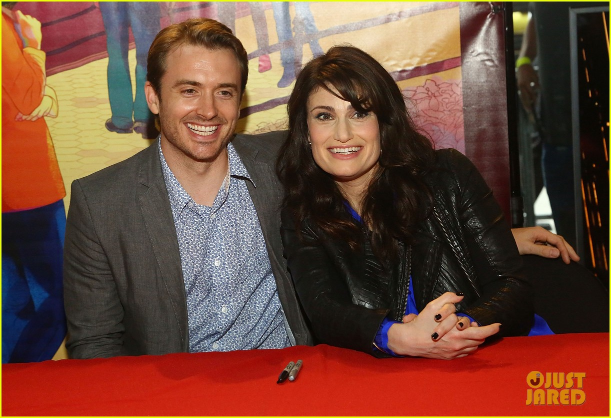 idina menzel debuts new bangs at if then cd signing 08