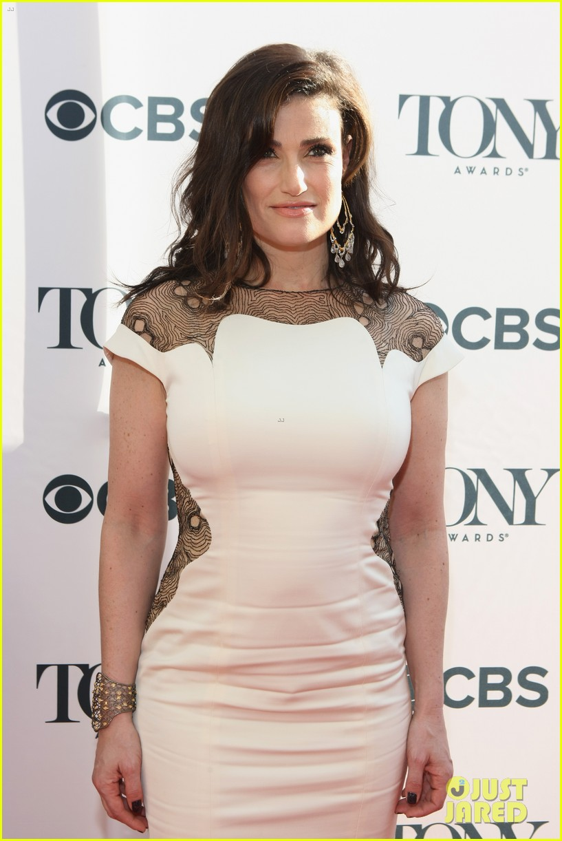 idina menzel broadways best ladies tony awards cocktail party 103127018