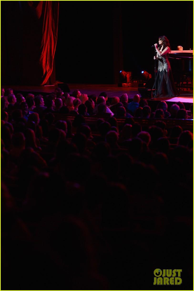 idina menzel radio city concert 153137121