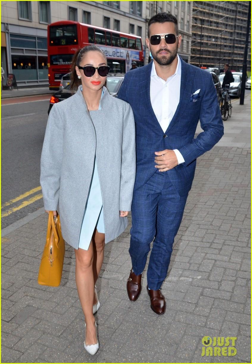 jesse metcalfe cara santana fashionable duo for london mens fashion week 023137872