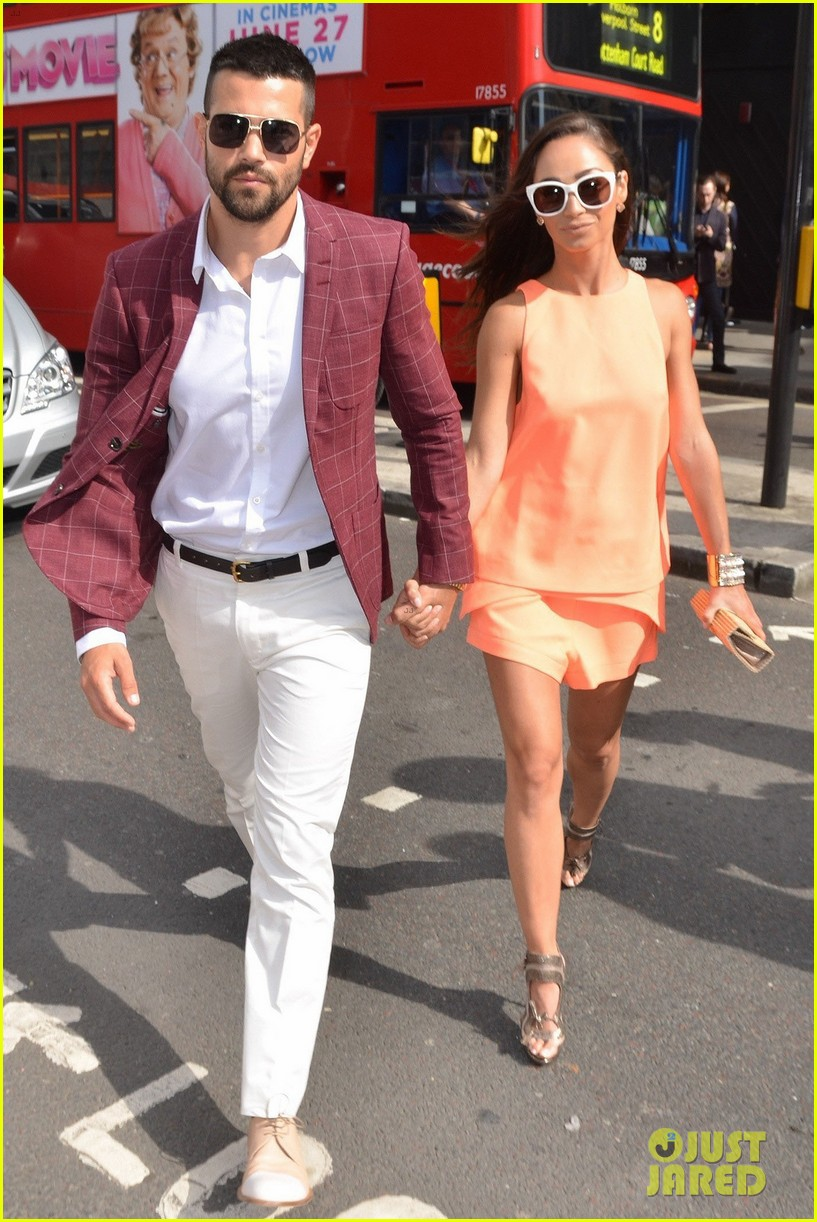 jesse metcalfe cara santana fashionable duo for london mens fashion week 083137878