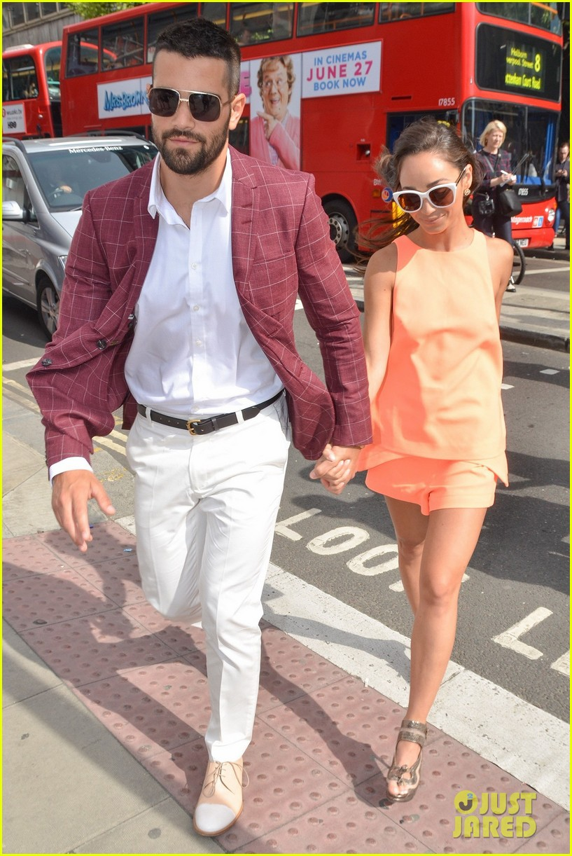 jesse metcalfe cara santana fashionable duo for london mens fashion week 09